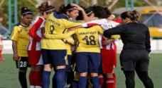 """عمان: لاعبات """"يخفين"""" لاعبة بعد سقوط حجابها في الملعب .. صورة"""