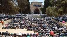 مئات المصلين الغزيين في طريقهم إلى الاقصى