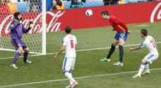اسبانيا تستهل حملة الدفاع عن لقبها بفوز ثمين على تشيك