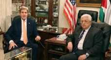 كيري وعباس يتفقان على مواصلة دفع جهود السلام