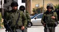 الاحتلال يعتقل طفلا في القدس بزعم العثور على سلاح في غرفته