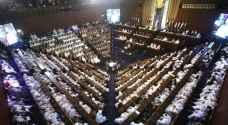 """""""زوبعة"""" بالبرلمان السوداني.. والسبب توزيع السيارات"""