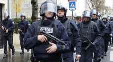 توقيف شخصين اثر العثور على سيارة مليئة بقوارير غاز في باريس