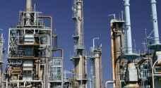 النفط يرتفع مع تقلص فجوة العرض والطلب