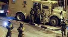 حملة اعتقالات ومداهمات ليلية بالضّفة