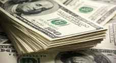 الدولار يقترب من أعلى مستوى في 14 عاما