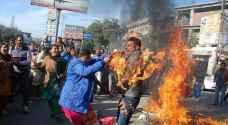 معلم يحرق نفسه عن طريق الخطأ بالهند .. صور