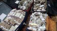 مصر: ملايين بلا عمل وحقائب مرتشي مملوءة بالملايين .. صور
