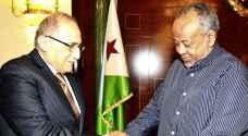 العناني ينقل دعوة من الملك إلى الرئيس الجيبوتي للمشاركة في القمة العربية