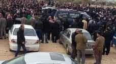 بالصور .. حزن وأسى بتشييع جثماني 'وسام وعمّار' في إربد