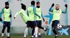 انيستا قائد برشلونة يعود للتدريبات بعد اصابة