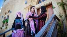 بالفيديو والصور .. الملكة رانيا العبدالله تزور مدينة السلط