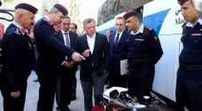 الملك يؤكد أهمية إدامة عملية التطوير لجهاز الدفاع المدني.. صور