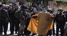 الجيش الإسرائيلي يفرق مسيرة تطالب بفتح شارع مغلق في الخليل