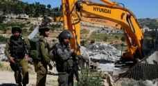 الاحتلال يخطر بهدم 42 منزلا شرق القدس