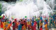 بالفيديو .. تايلند ترقص بأكبر مهرجان للمياه في العالم