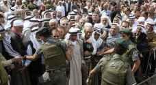 الاحتلال يمنع دخول من هم دون سن الـ ٣٥ للمسجد الأقصى