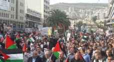 صلاة الجمعة بالساحات العامة- ١٢ يوما لإضراب الأسرى