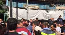 بالصور .. اعتصام أمام مبنى بلدية جرش