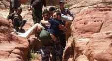الدفاع المدني ينقذ سائحا فرنسيا في البترا..صور