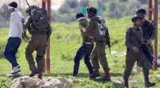 اعتقال ٢١ فلسطينيا في الضفة الغربية