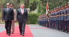 الملك يصل القاهرة والسيسي في استقباله..صور
