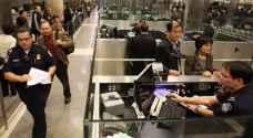 من حق ضابط الجوازات تفتيش هاتفك بالمطارات الأميركية.. احذر الاستعانة بمحام