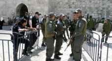 الاحتلال يبعد ثلاثة من حراس الأقصى ١٠ أيام