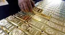 الذهب يستفيد من تجنب المخاطر ويستقر