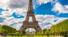 فرنسا تعتزم منع الوزراء والنواب من توظيف أقربائهم