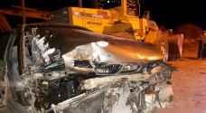 ٣ إصابات بتصادم مركبات وجرافة في عجلون..صور