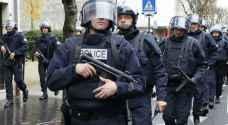 سيارة تصدم حافلة للدرك الفرنسي وتنفجر