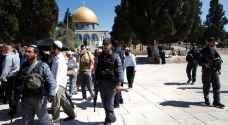 ٣ شهداء وقتيلين بشرطة الاحتلال في باحات الأقصى..فيديو