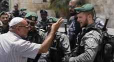 الاحتلال يعتدي على المصلين عند باب الأسباط في القدس