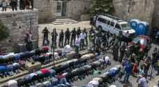الاحتلال يغلق القدس أمام من هم أقل من ٥٠ عاما