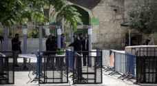 الاحتلال يقرر إزالة البوابات الإلكترونية