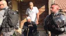 طرد عائلة فلسطينية من منزلها بالقدس الشرقية..صور