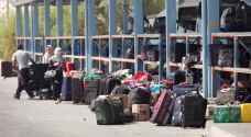 الاحتلال يمنع سفر ١٨ مواطنًا من معبر الكرامة