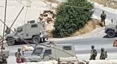 الاحتلال يعيد فتح البوابات الحديدية في دورا