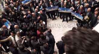 عشرات المحامين يقفون نصرة للقدس في عمّان