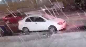 بالفيديو .. تساقط للثلوج بحي نزال بالعاصمة عمان