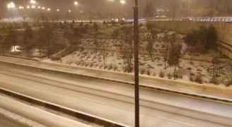 تراكمات للثلوج في مناطق مختلفة بالعاصمة عمان .. صور