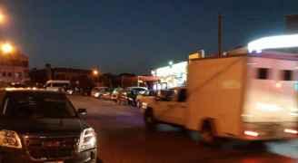 فيديو وصور .. تعزيزات أمنية قرب السفارة الإسرائيلية بعمّان وإصابتان إحداهما خطيرة