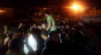 الأمن يفرق محتجين من أقارب الشاب المتوفى بحادثة السفارة الإسرائيلية