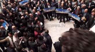 بالصور.. عشرات المحامين يقفون نصرة للقدس في عمّان