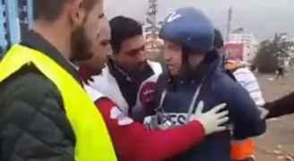 فيديو .. إصابة مراسل رؤيا خلال تغطيته المواجهات بين الفلسطينيين والاحتلال في رام الله