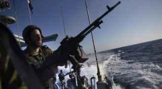 الاحتلال يعتدي على قوارب الصيادين في غزة