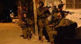 الاحتلال يعتقل ١٧ فلسطينيا في الضفة