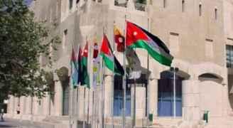 الأمانة تحذر من تداول صور غير صحيحة لحوادث انهيار أسوار على مركبات في عمان