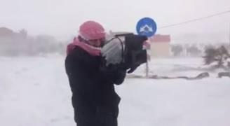 بالفيديو.. فريق رؤيا في مواجهة الثلوج بالميدان